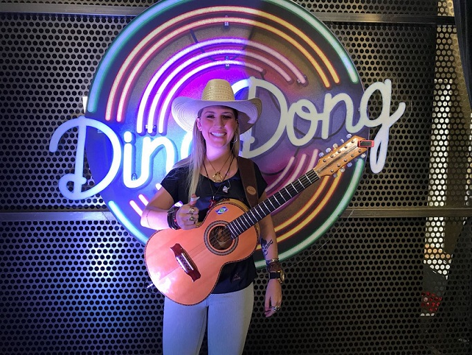 Bruna Viola é destaque no Domingão do Faustão