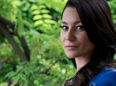 A saga da italiana Irene Cao conquista o Brasil